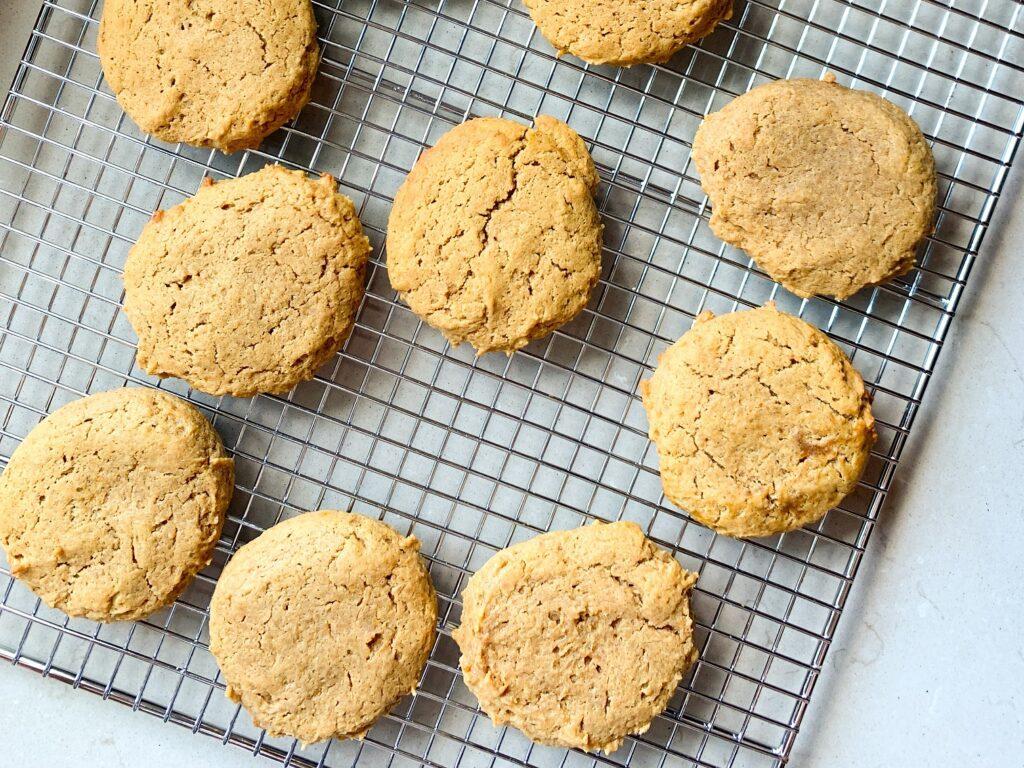 pumpkin peanut butter cookies on cooling rack